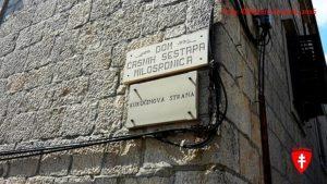 Tu je Kukučínova stráň, kde stál dom v stráni.